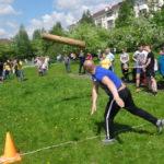 Карпинцы соревновались в традиционном метании бревна